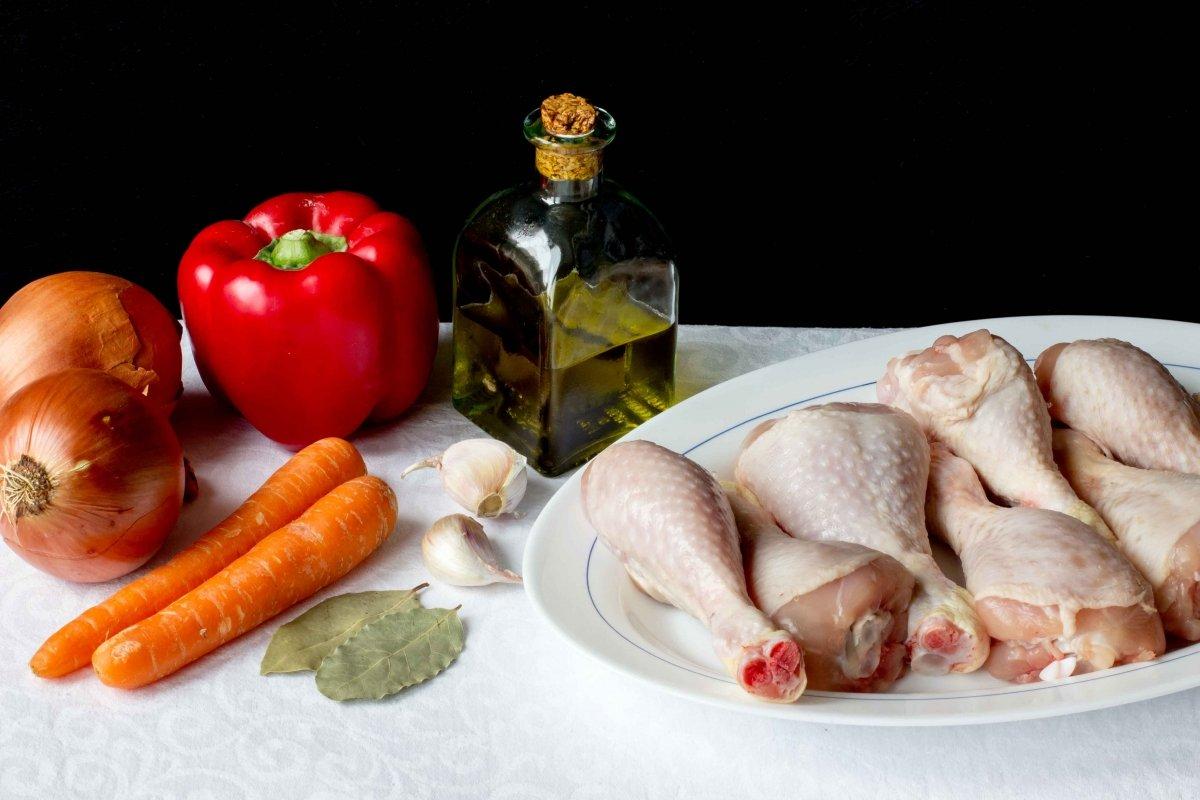 Ingredientes para hacer el pollo en salsa
