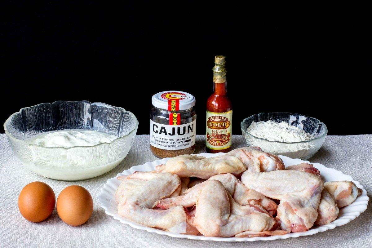 Ingredientes para hacer el pollo frito estilo cajún