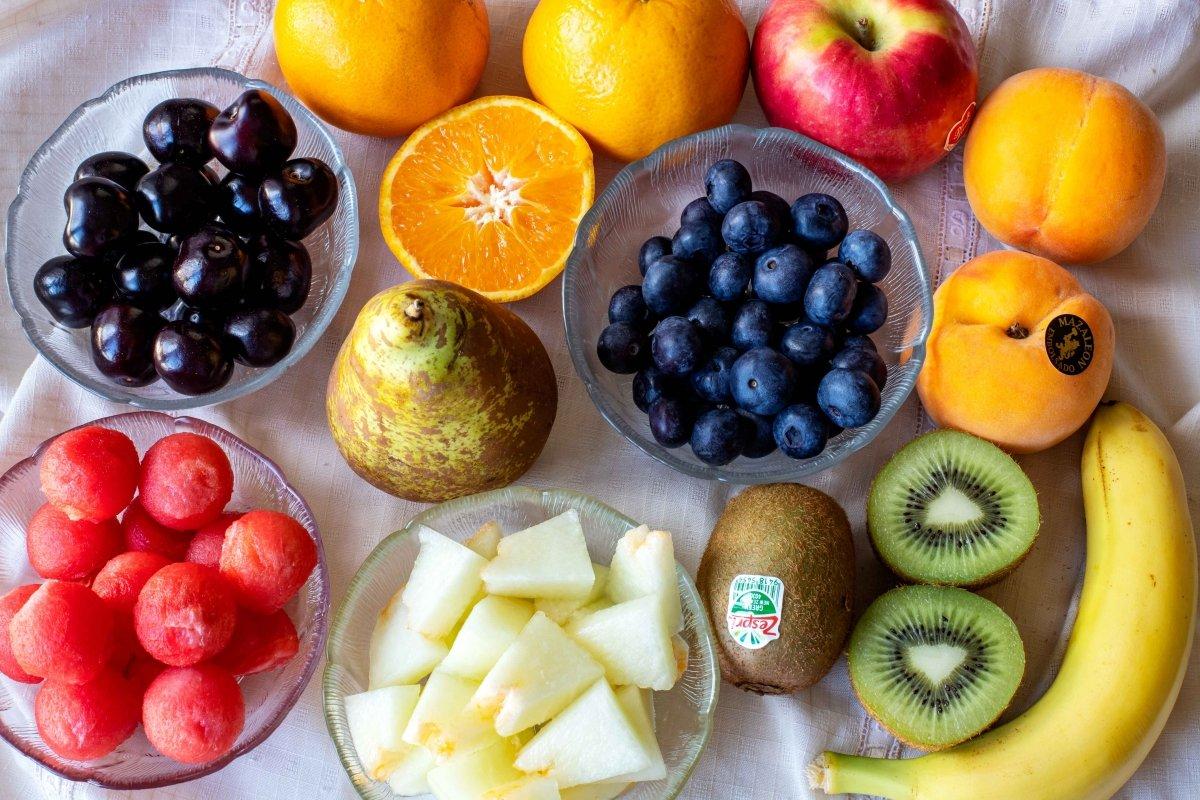 Ingredientes para hacer la macedonia de frutas