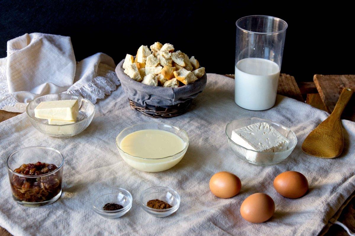 Ingredientes para hacer la torta de pan