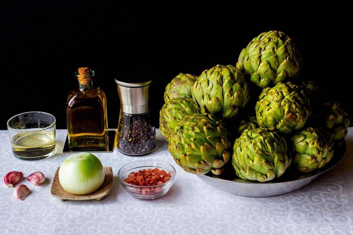Ingredientes para hacer las alcachofas estofadas