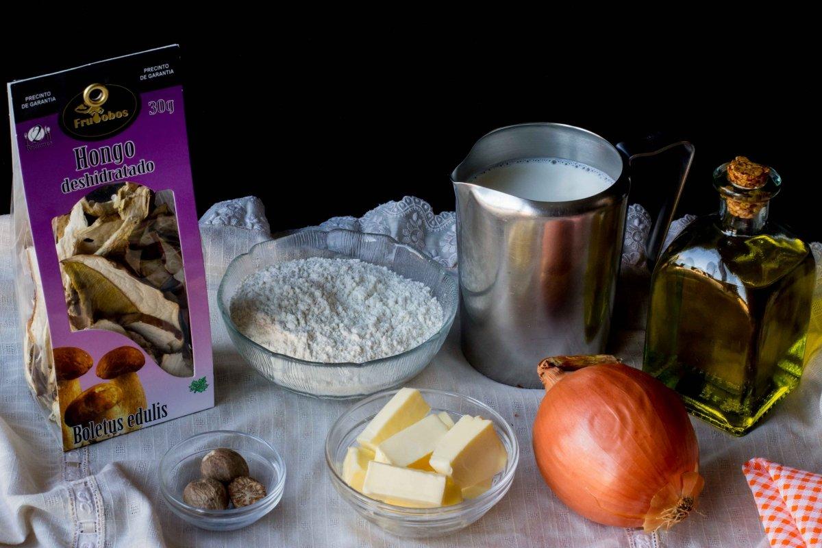 Ingredientes para hacer las croquetas de boletus