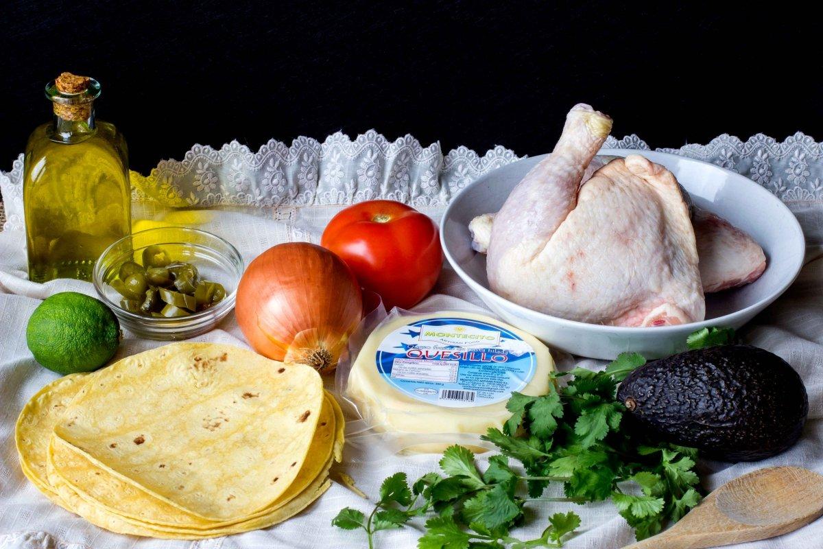Ingredientes para hacer las quesadillas de pollo