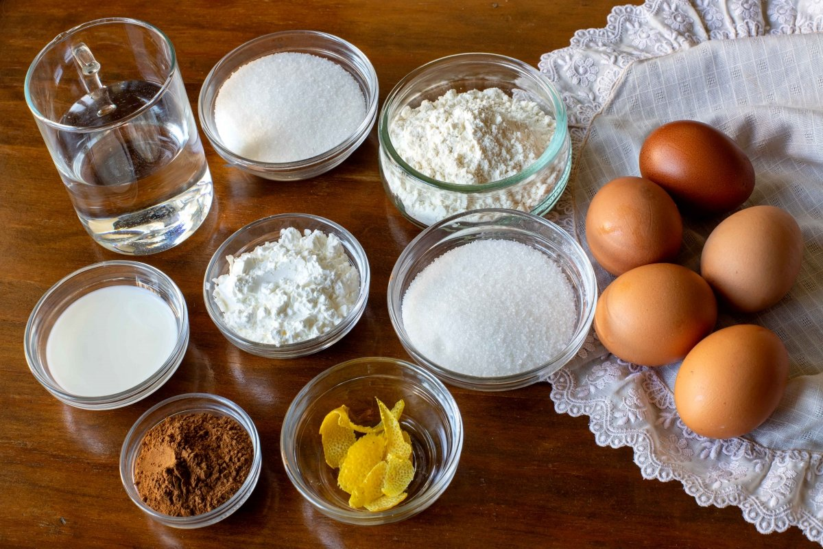 Ingredientes para hacer los piononos de Santa Fé
