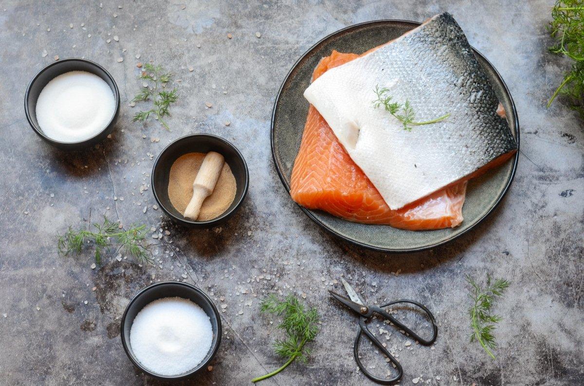 Ingredientes para hacer salmón ahumado