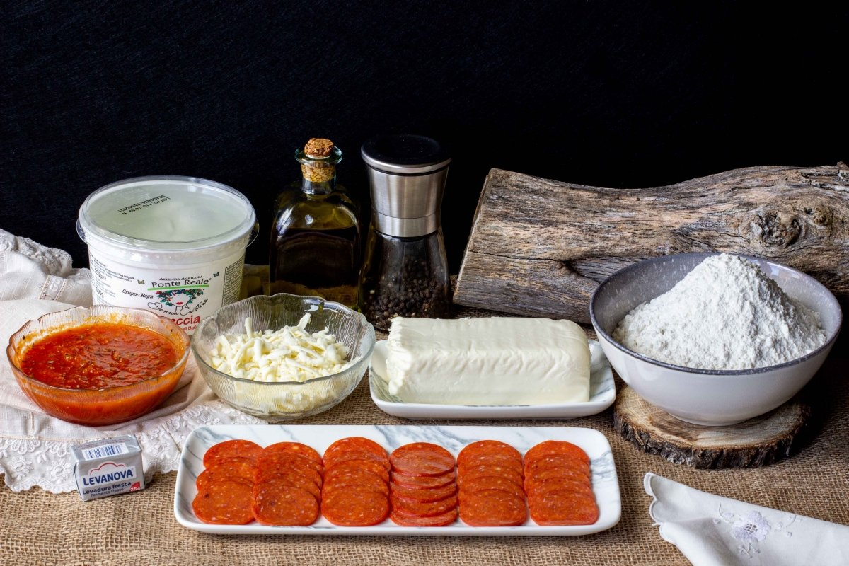 Ingredientes para la pizza pepperoni
