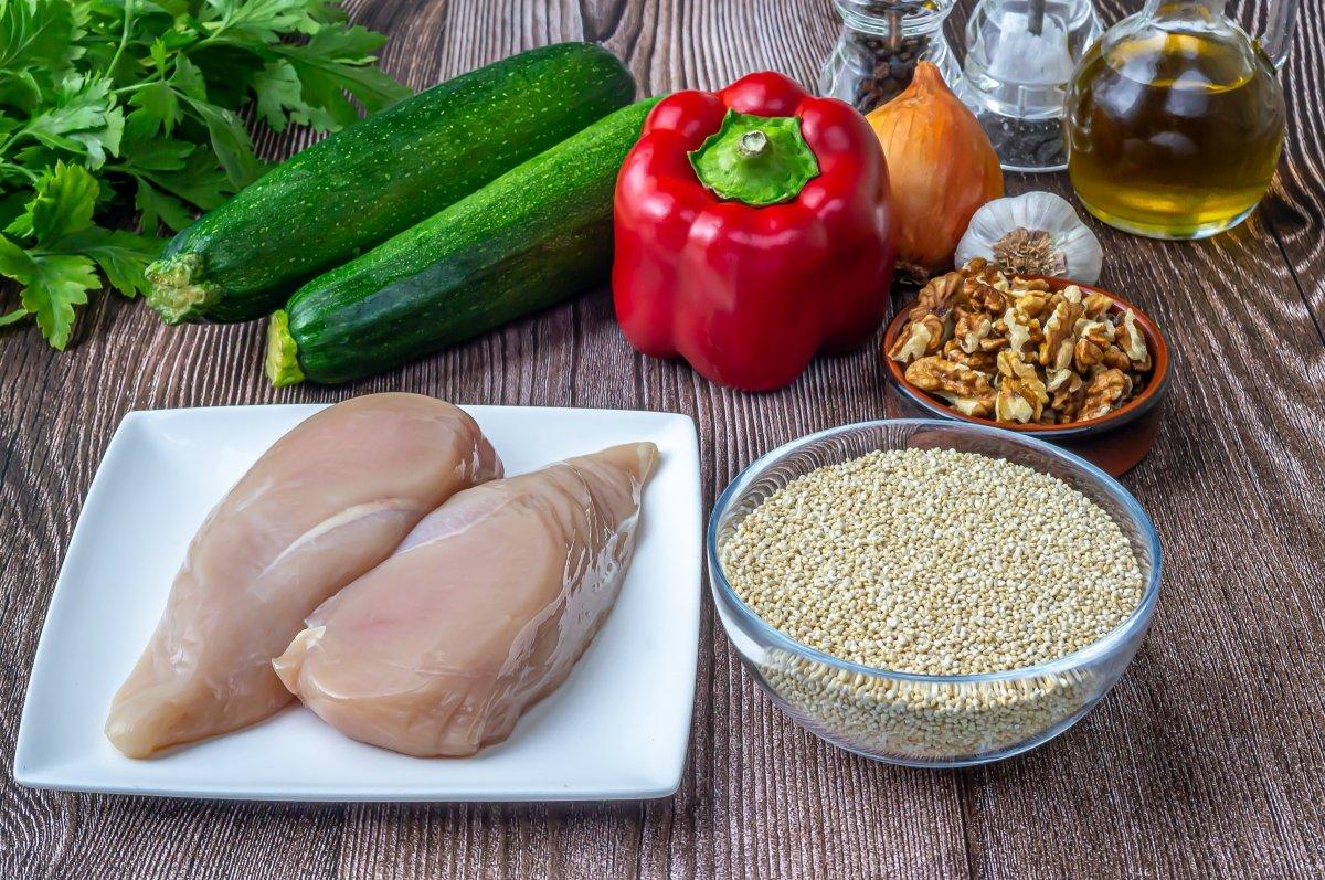 Ingredientes para la quinoa con pollo y verduras