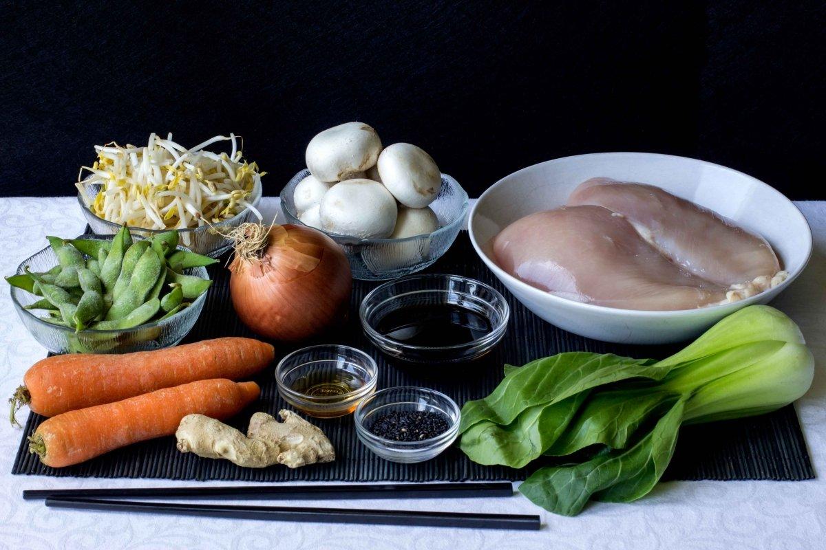 Ingredientes para preparar el chop suey de pollo