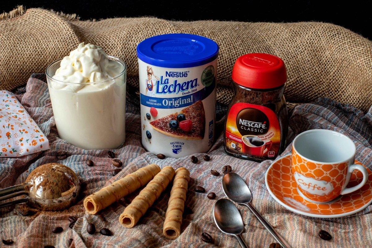 Ingredientes para preparar el helado de café