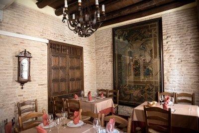 El Rinconcillo, 350 años de solera y buenos alimentos