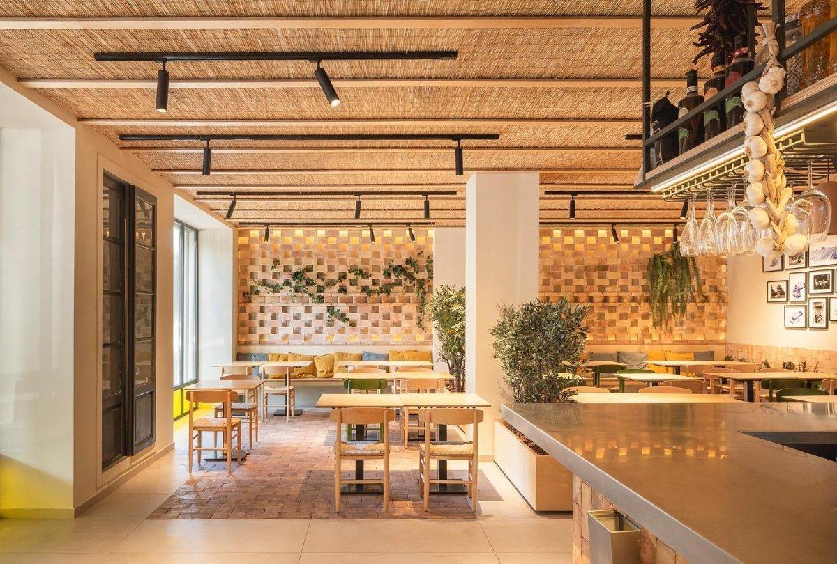 Interior del Bar Mistela