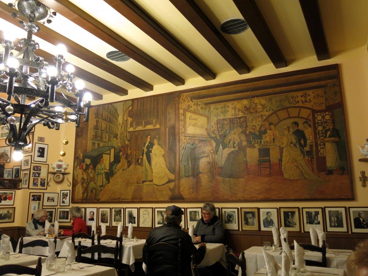 Interior del restaurante Can Culleretes, el más antiguo de Barcelona