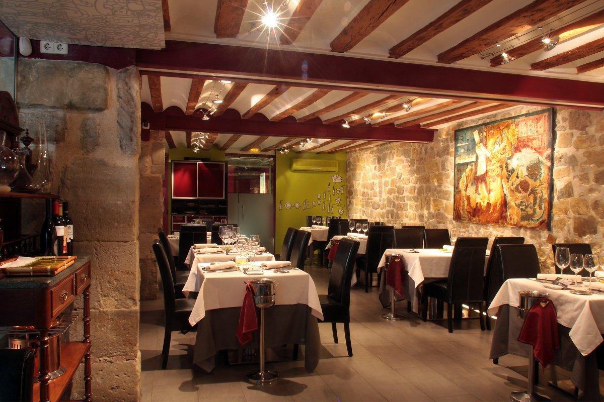 Interior del restaurante El Doncel