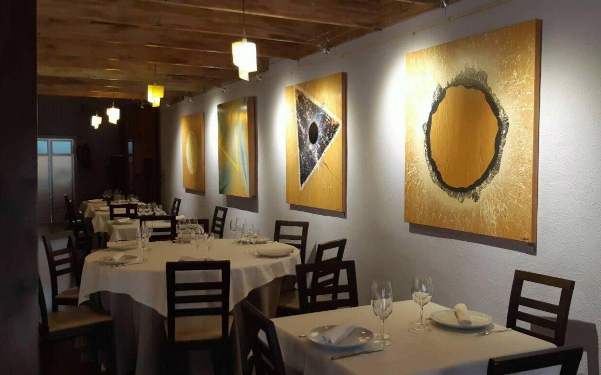 Interior del restaurante El Festín de Babel
