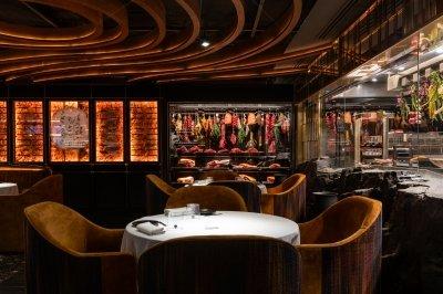 Leña, un steakhouse con el sello de Dani García