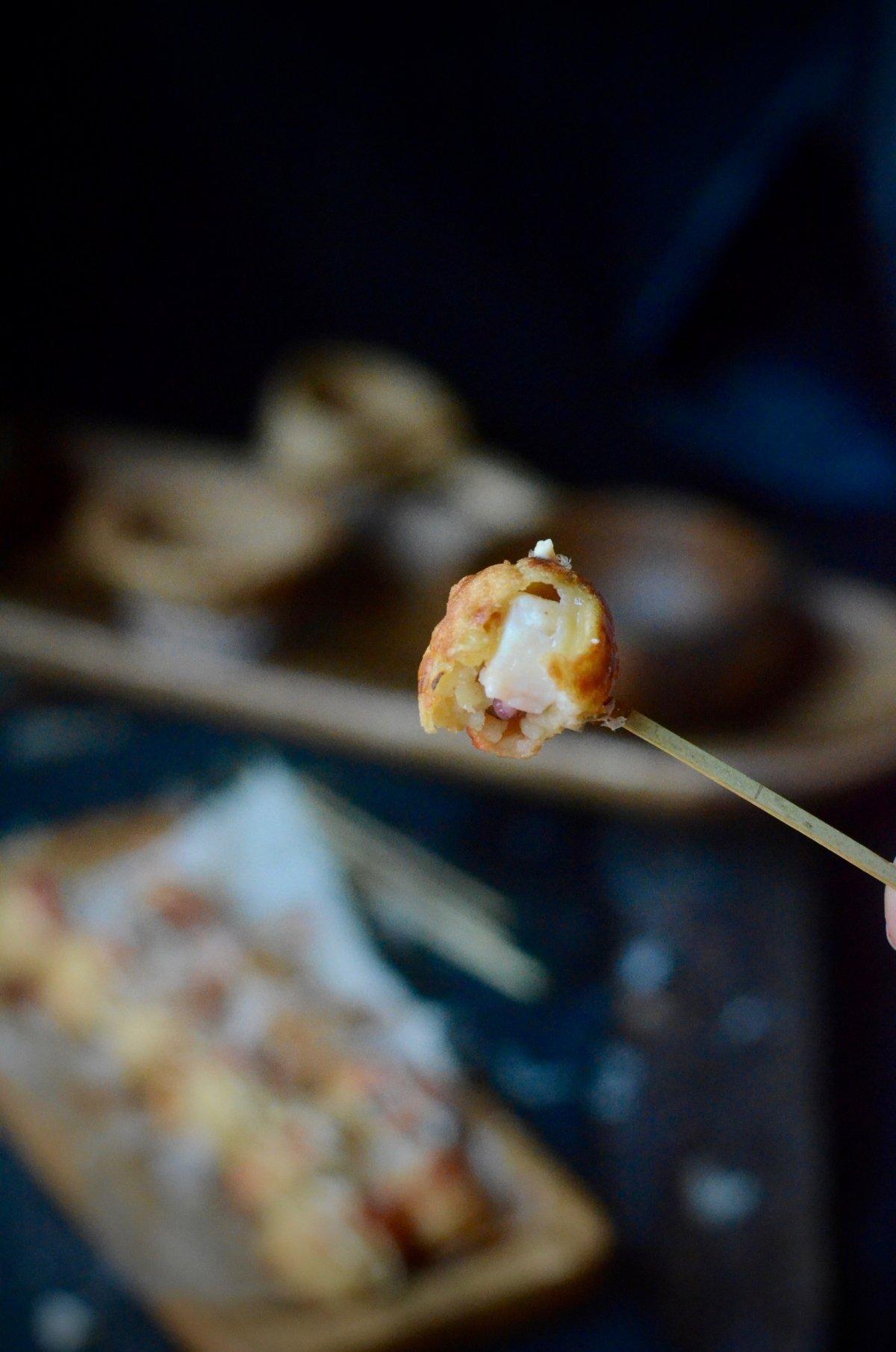 Interior jugoso de un takoyaki