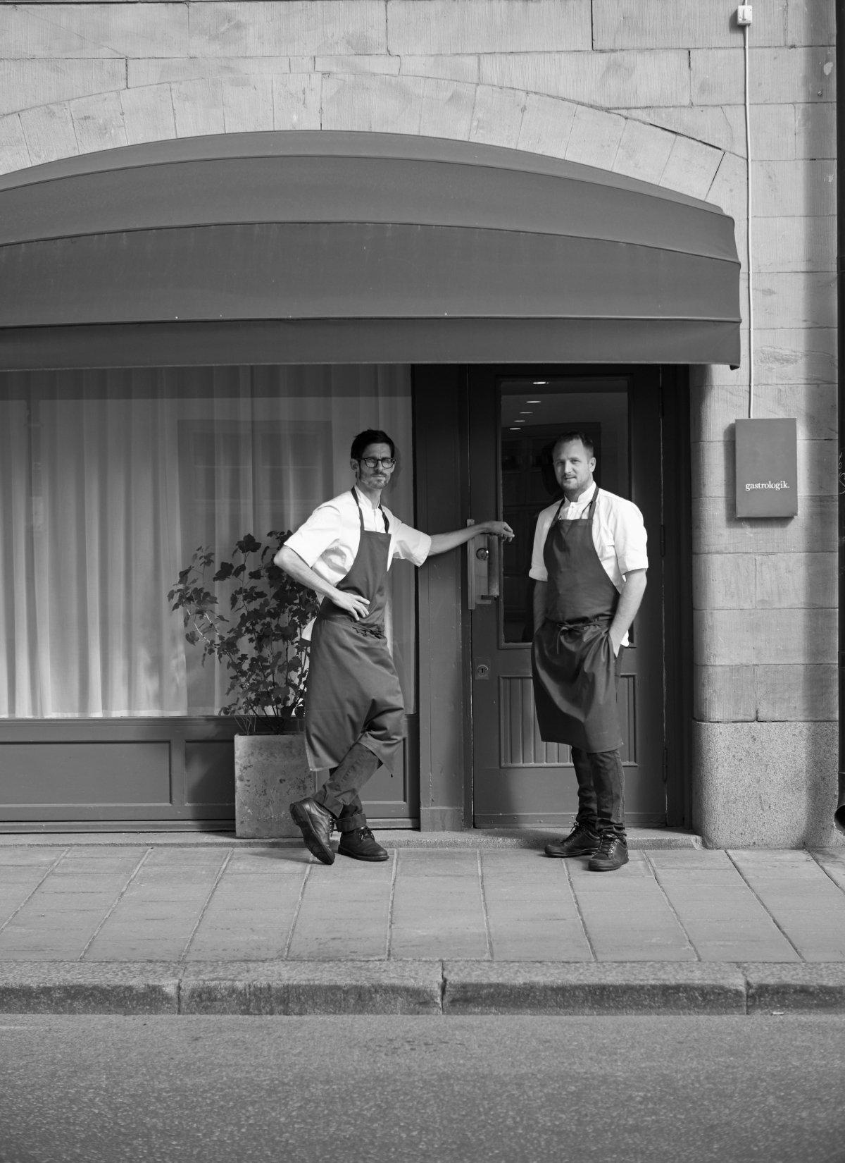 Jacob Holmström y Anton Bjuhr a las puertas del restaurante Gastrologik