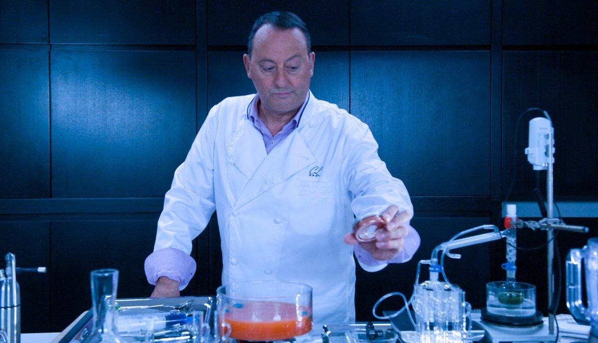"""Jean Reno interpreta a un célebre cocinero en la película """"El chef, la receta de la felicidad"""""""