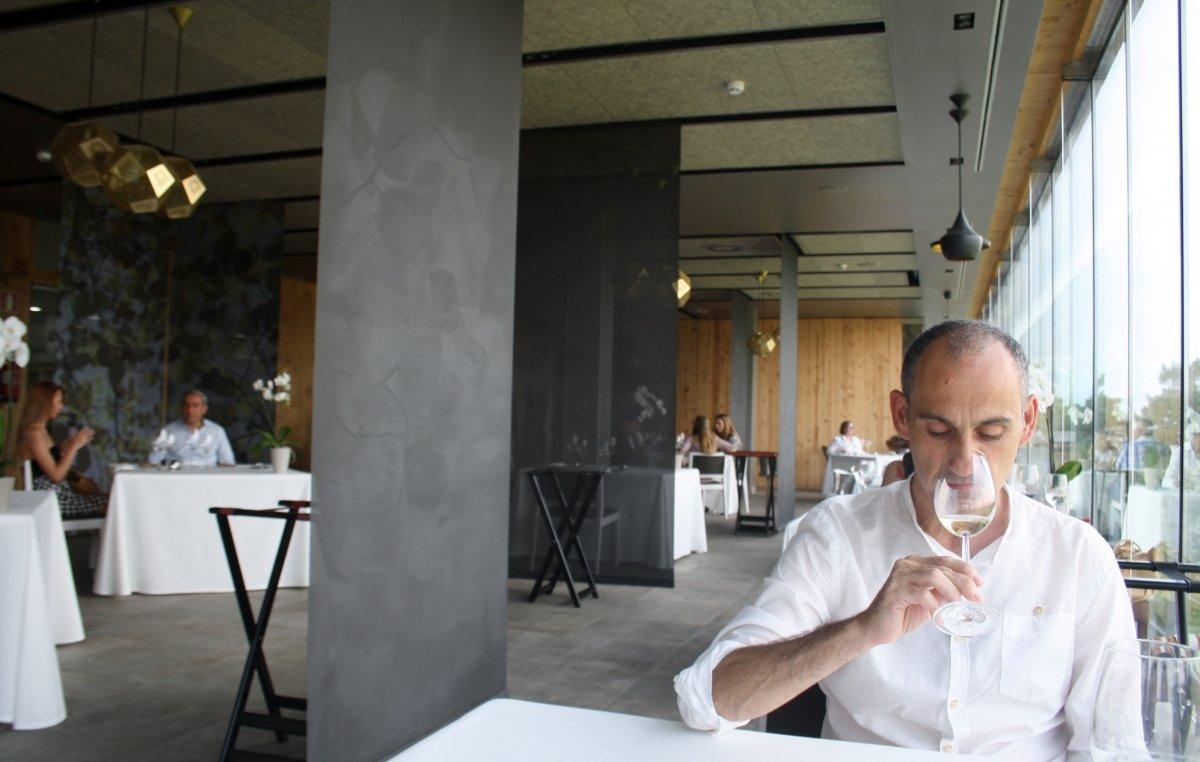 Jesús Trelis en el restaurante Azurmendi de Eneko Atxa
