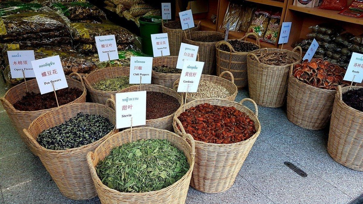 La stevia se puede encontrar en hojas, en extracto seco y en extracto líquido