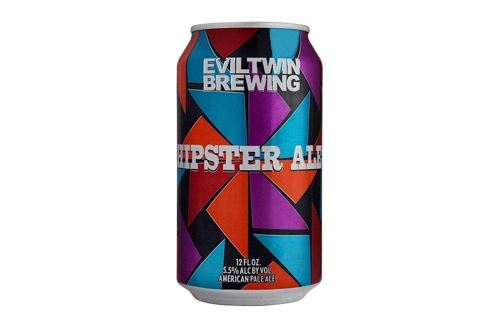 Lata de Evil Twin Hipster Ale sobre fondo blanco