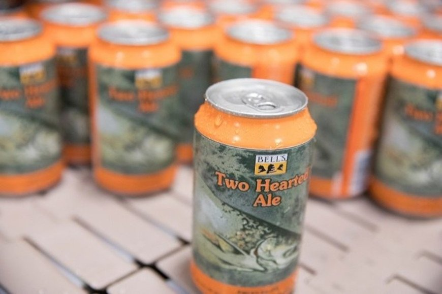 Latas de Bell's Two Hearted Ale