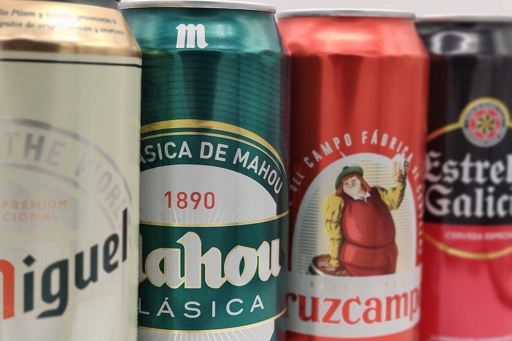 Latas de diferentes cervezas españolas