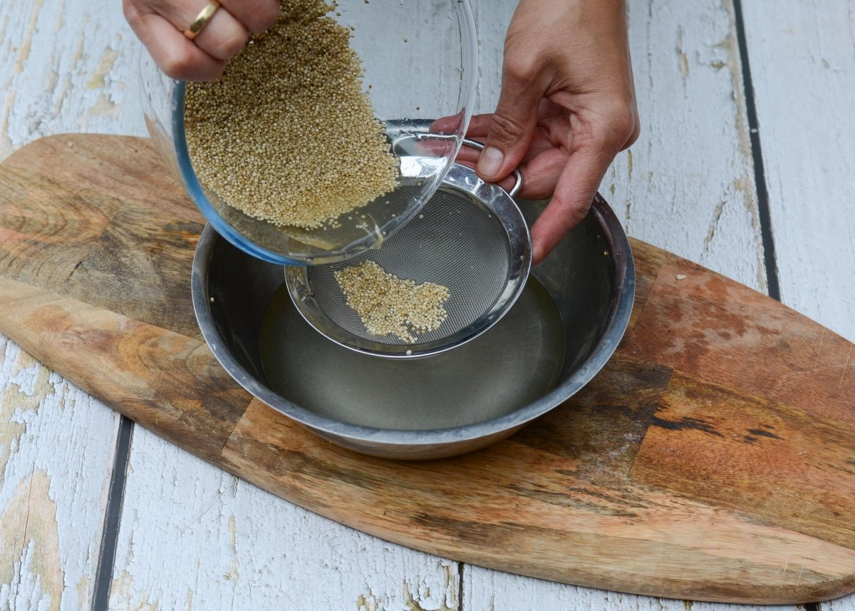 Lavamos la quinoa después del remojo