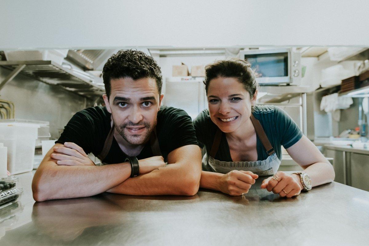 Los cocineros Mario Rodríguez Ureña y Jennise Ferrari del restaurante Qué Leche