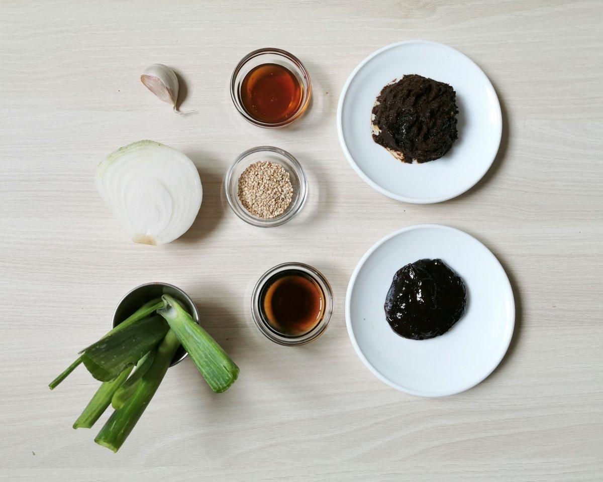los ingredientes de la salsa ssamjang