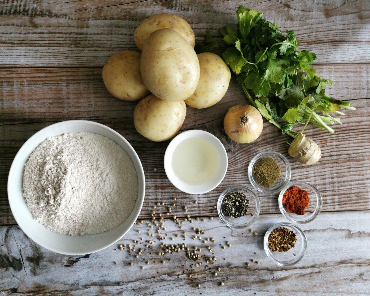 Los ingredientes de los Aloo Paratha