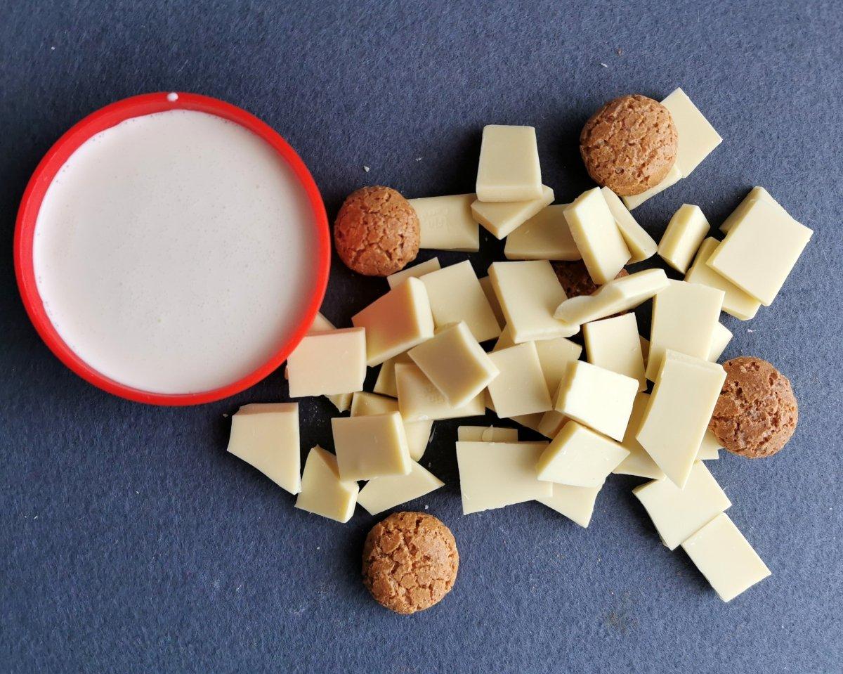 Los ingredientes para la mousse de chocolate blanco