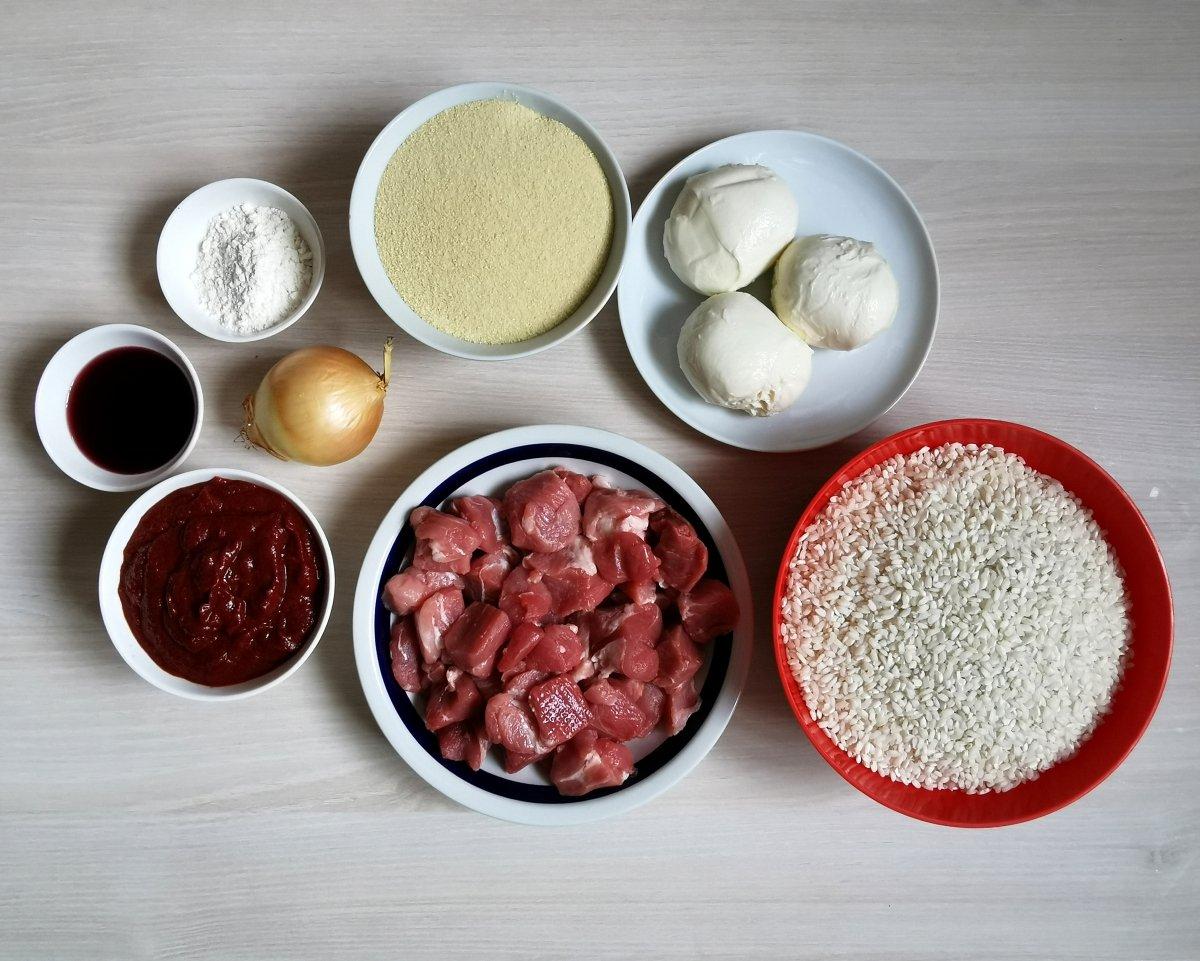 Los ingredientes para los arancini