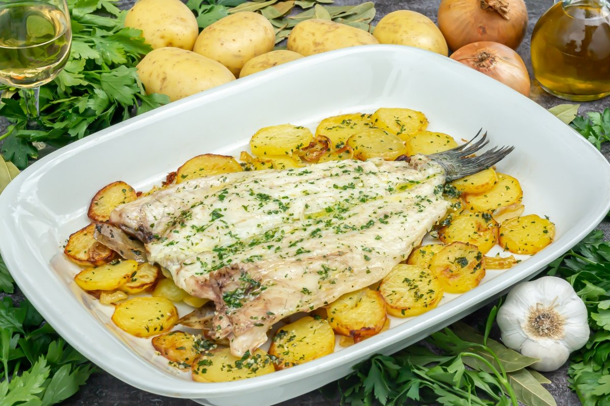 Lubina al horno con patatas