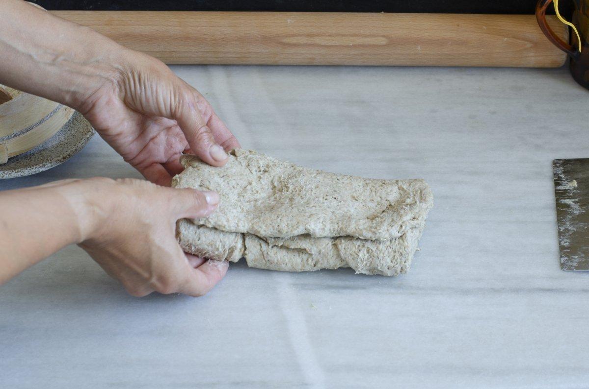Masa de los panes suecos lista para formar