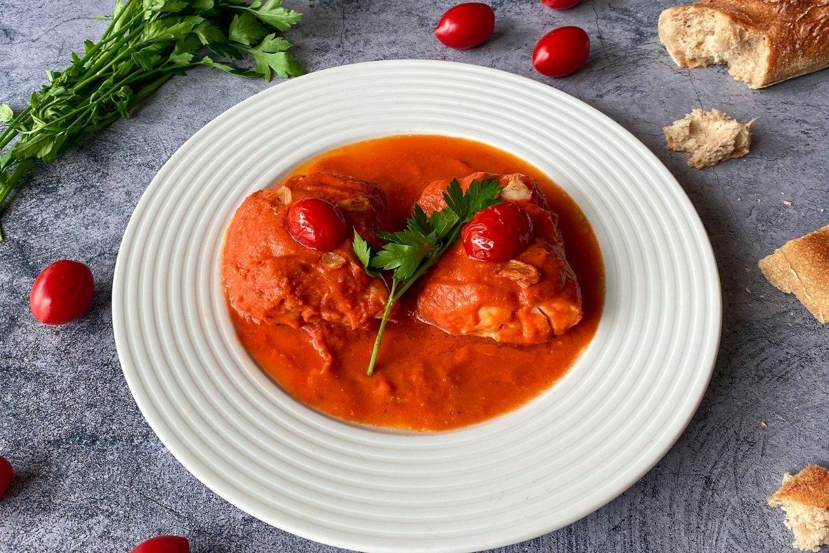 Merluza en salsa de tomate frito casero