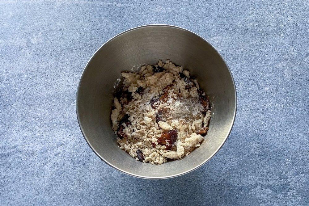 Mezcla de ingredientes secos para elaborarChristmas pudding