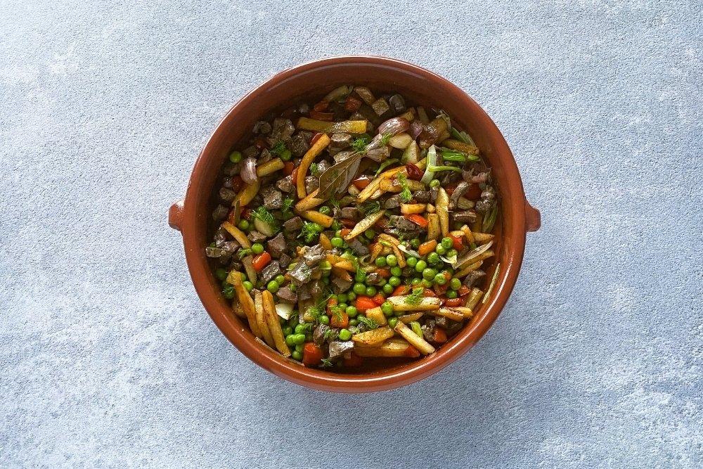 Mezcla de todos los ingredientes para elaborar frito mallorquín