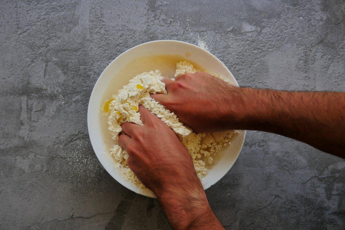 Mezclar la harina