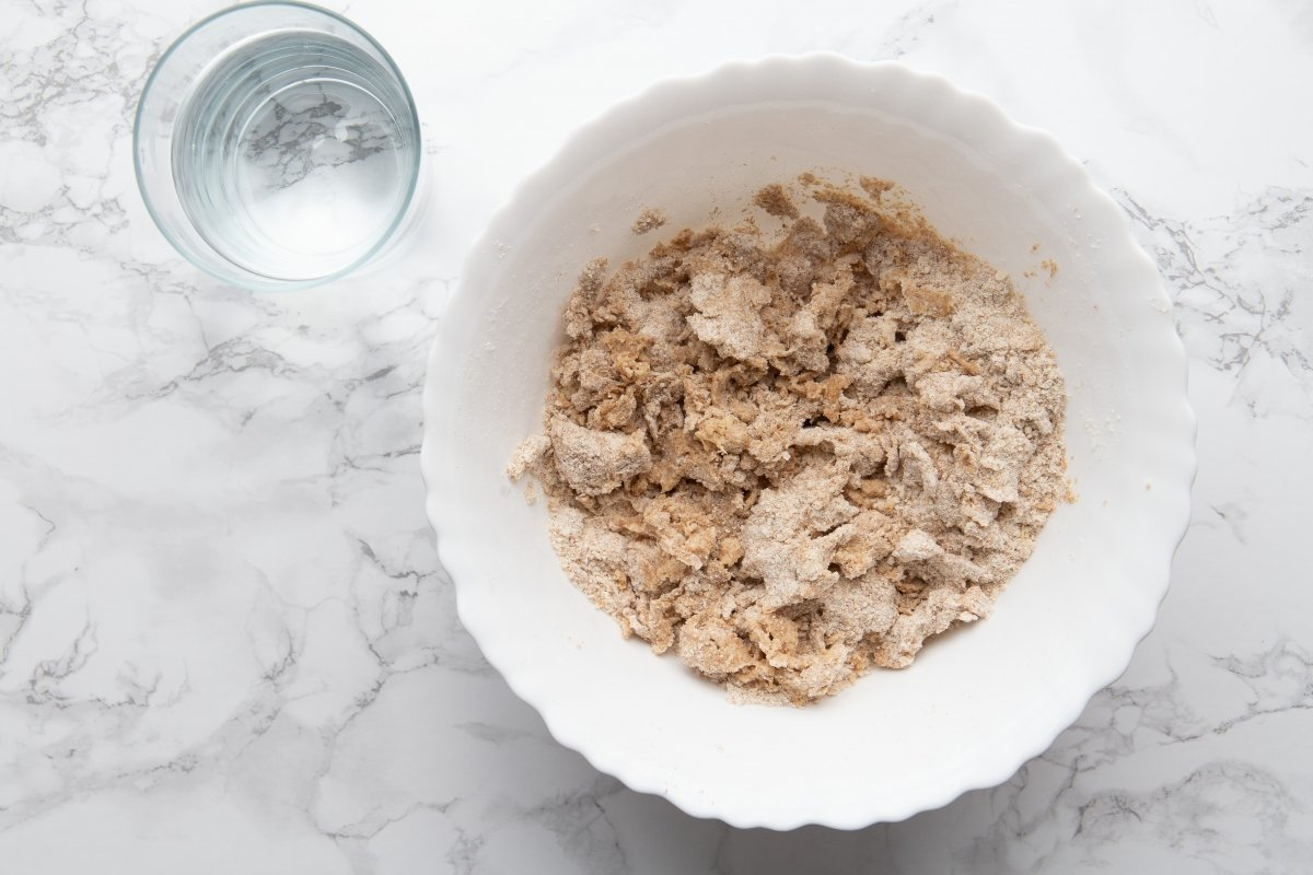 Mezclar los ingredientes de la masa