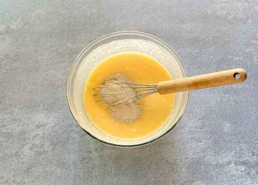 Mezclar los ingredientes junto a la levadura