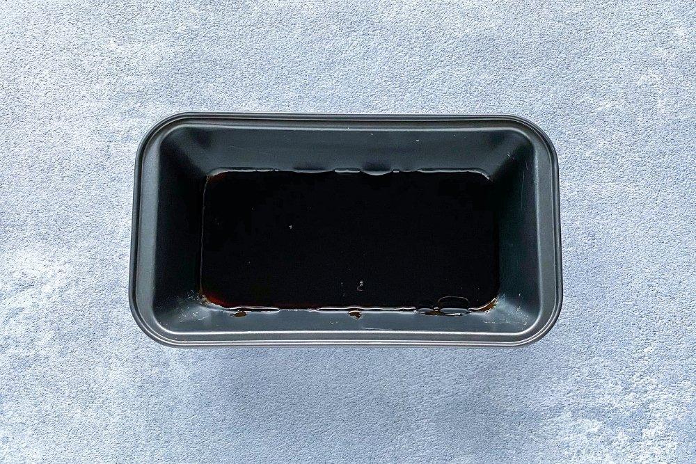 Molde para flan con caramelo líquido