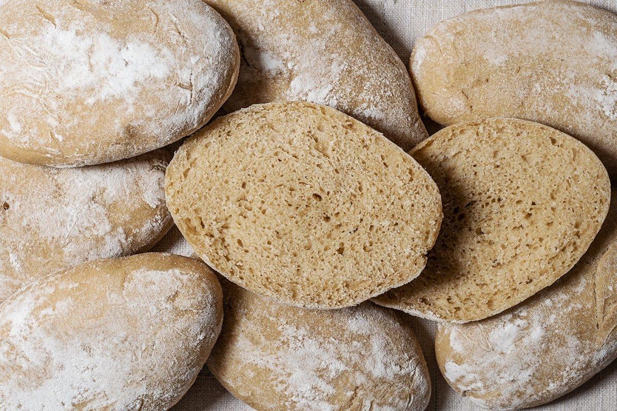 Molletes de Antequera, panes para bocadillo fáciles