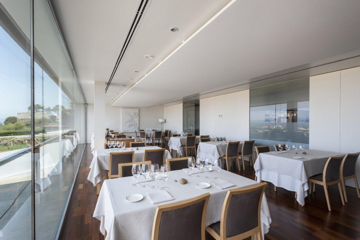 Otras perspectiva de la sala del restaurante Culler de Pau