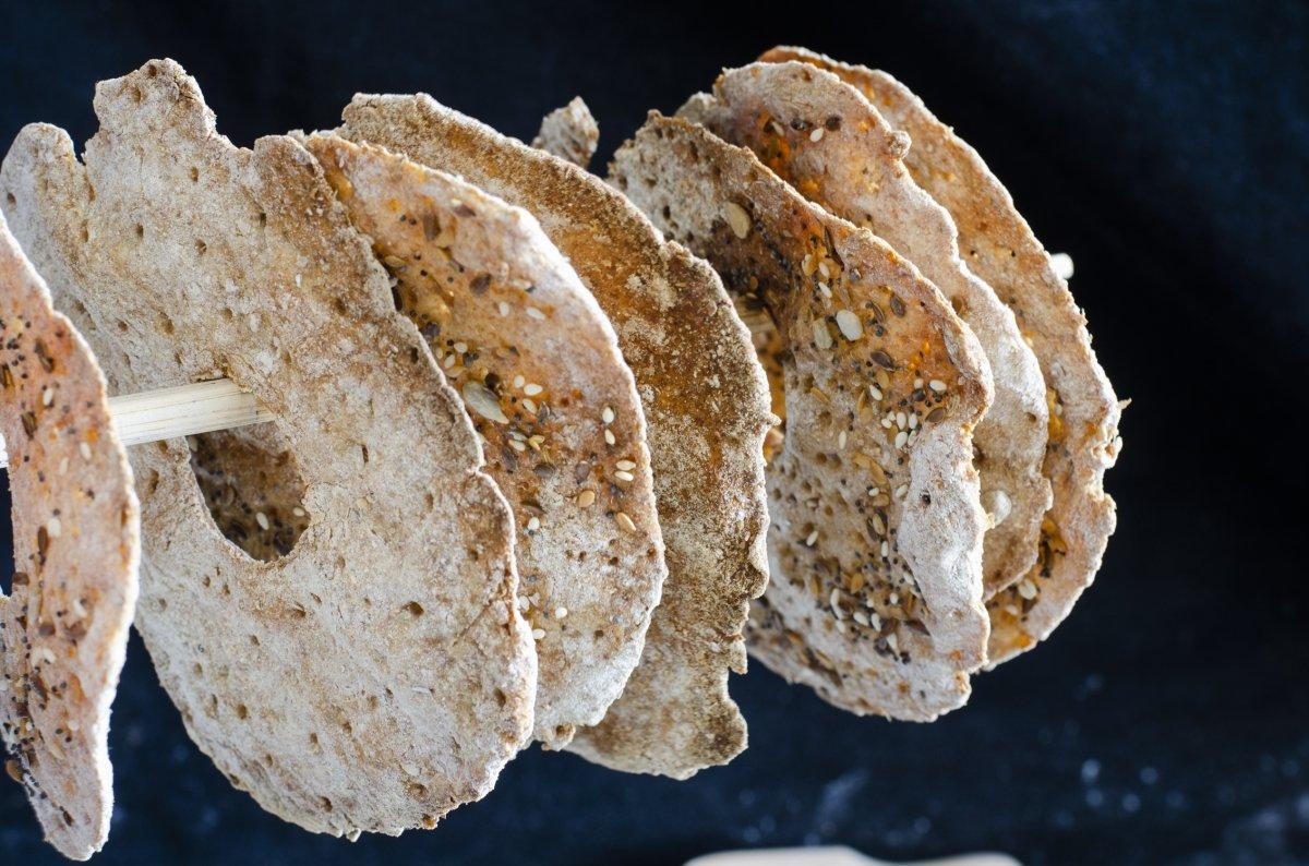 Pan sueco knackebrod colgado