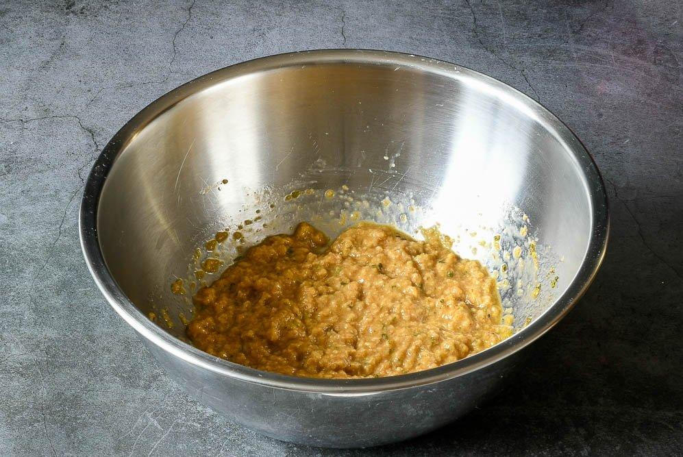 Papilla con pan para que las albóndigas queden tiernas