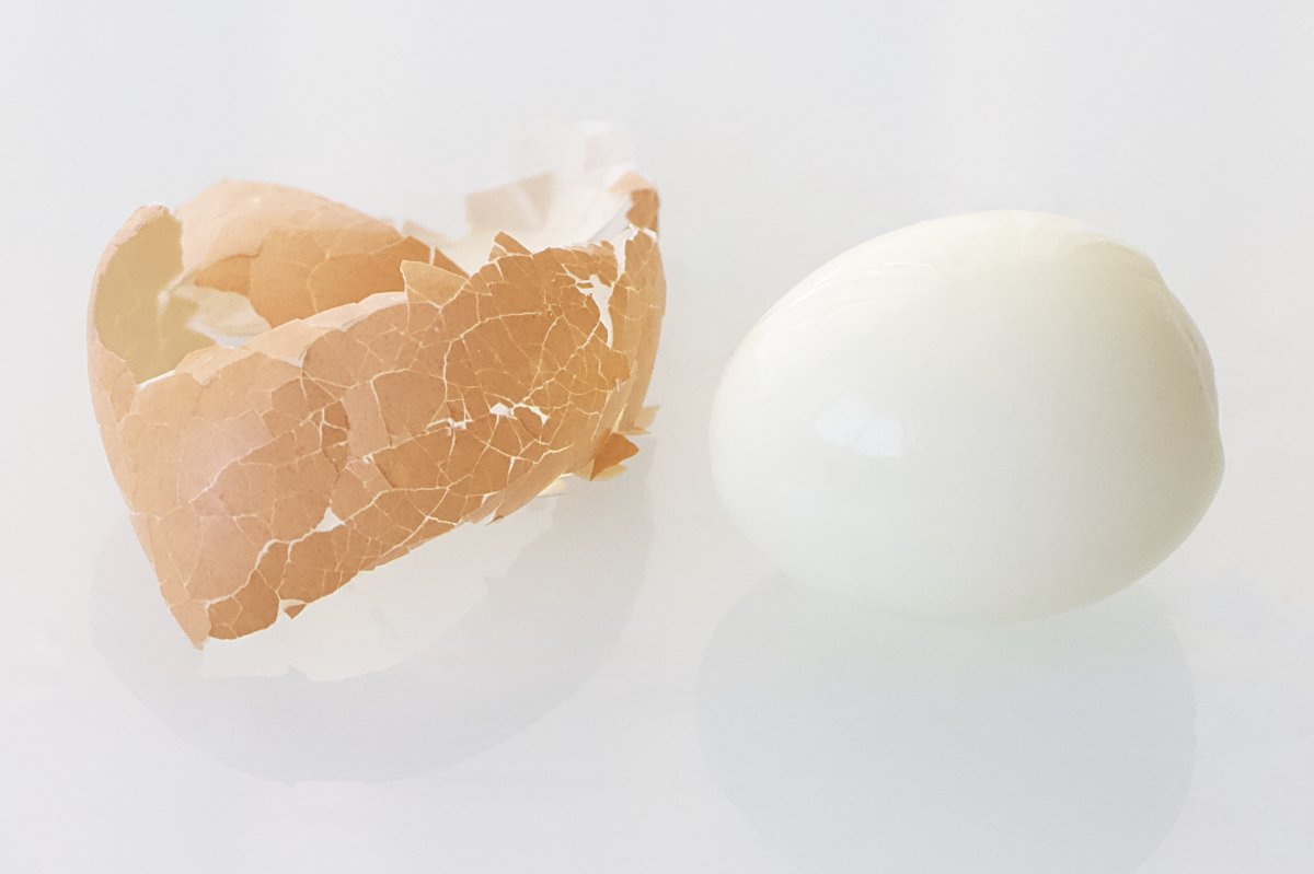 Pelar un huevo cocido fácilmente