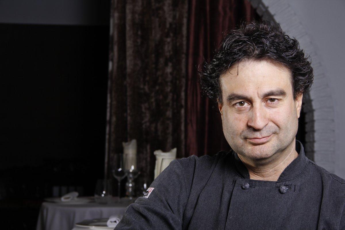 Pepe Rodríguez en su restaurante, El Bohío
