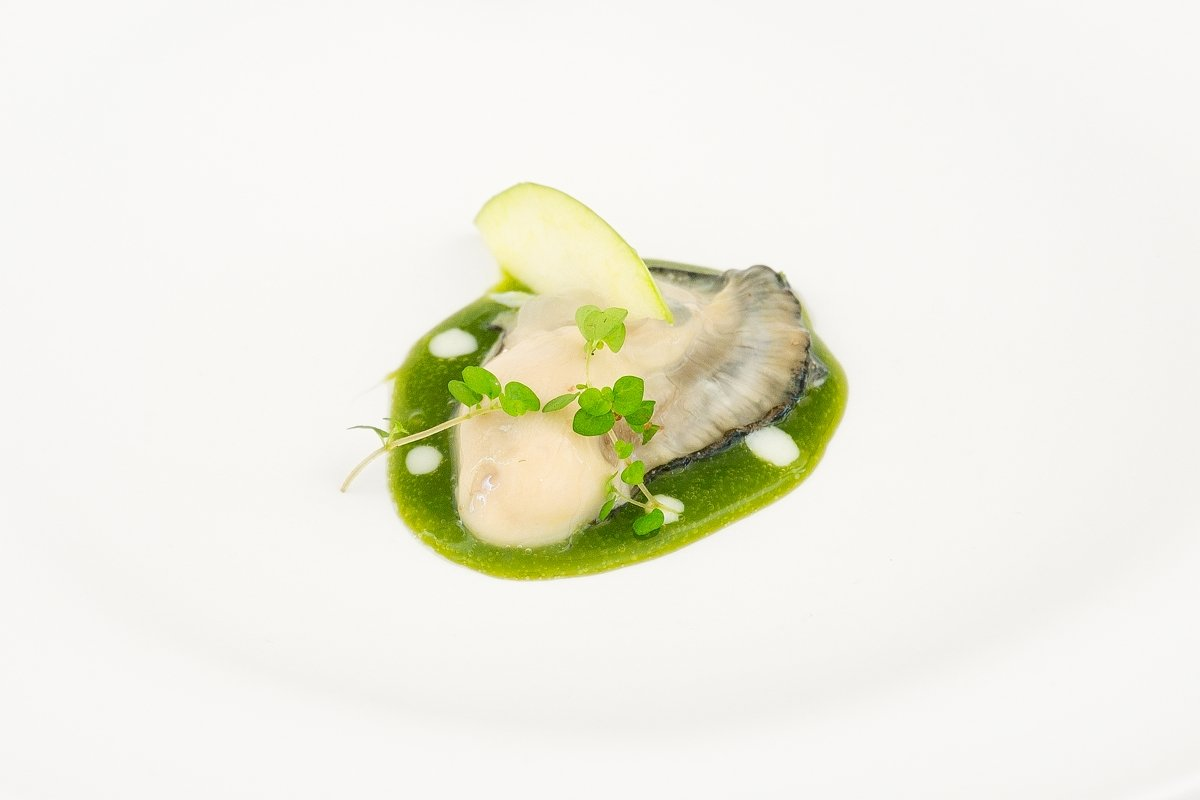 Plato a base de ostra Guillerdeau del restaurante La Bicicleta