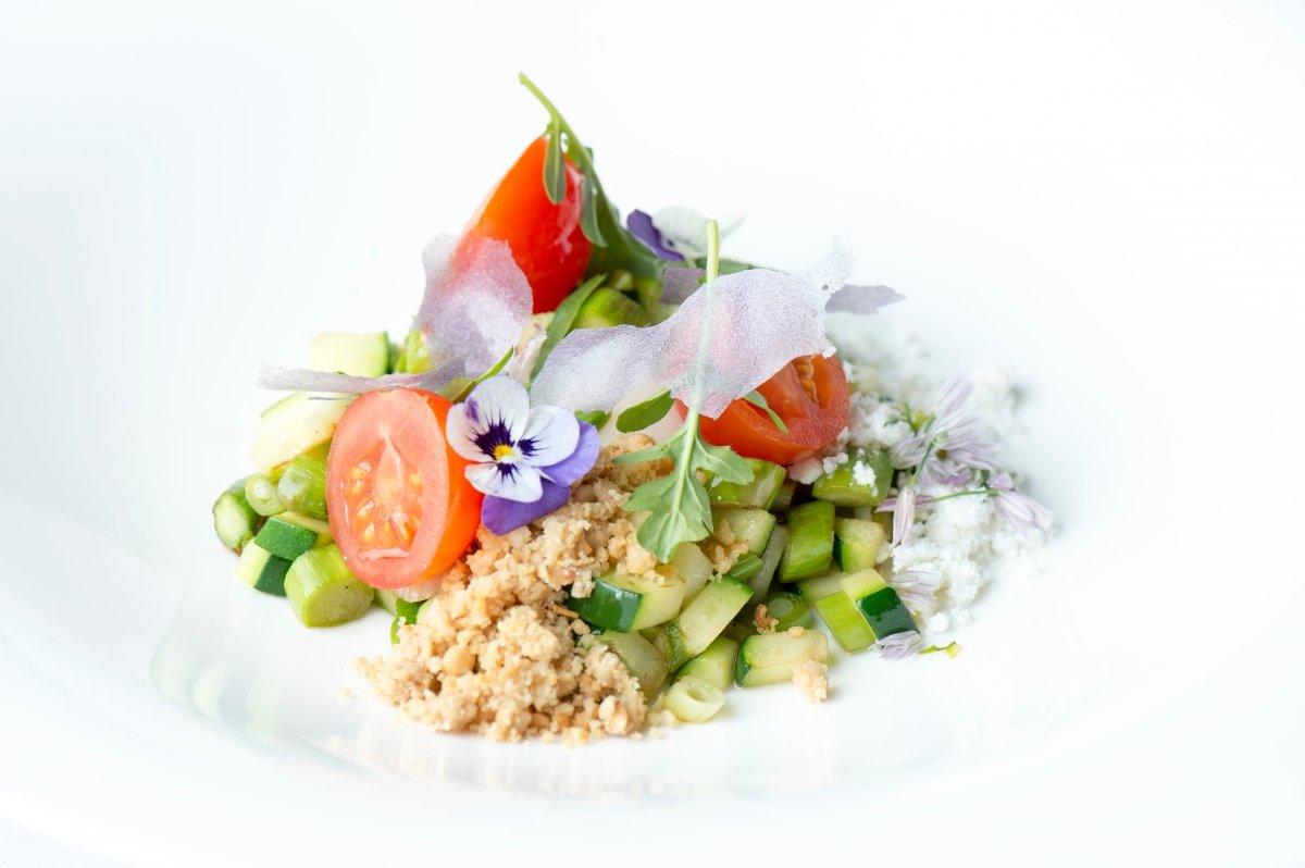 Plato con verduras y hortalizas del Restaurante Alma
